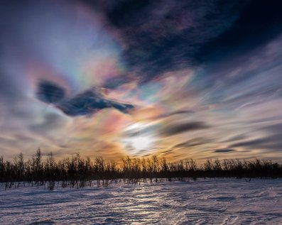"""Polar stratospheric clouds all day today here in #Kiruna."""