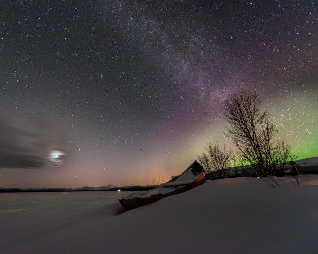 """Beautiful night! Venus, Andromeda Galaxy, Milky Way + aurora."""
